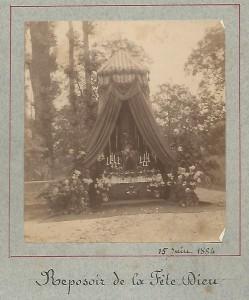 Reposoir de la Fête-Dieu au carrefour chemindu gant et rue du Pontet en 1884